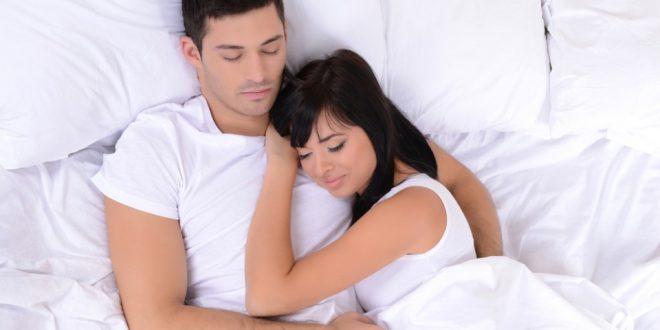 Erkekler Yatakta Nasıl Mutlu Olur?